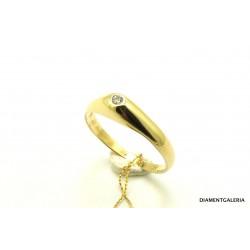 Pierścionek z żółtego złota z brylantami 0,035 ct.