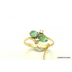 Pierścionek z żółtego złota ze szmaragdami i brylantami