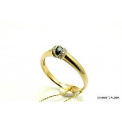 Pierścionek z żółtego złota z szafirem i brylantami